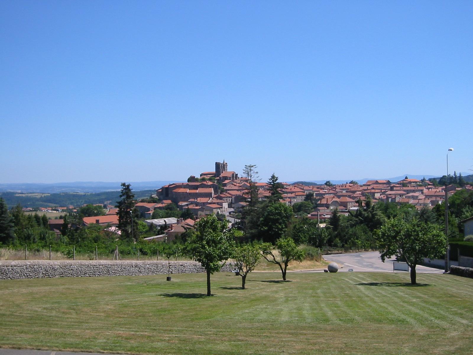 St Bonnet le Château - village de caractère en Loire
